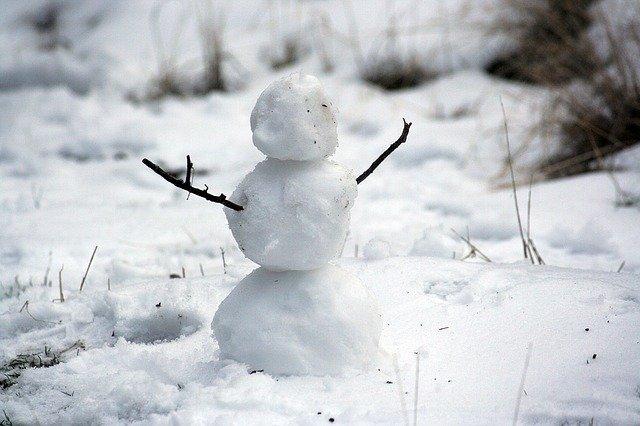 nedodělaný sněhulák