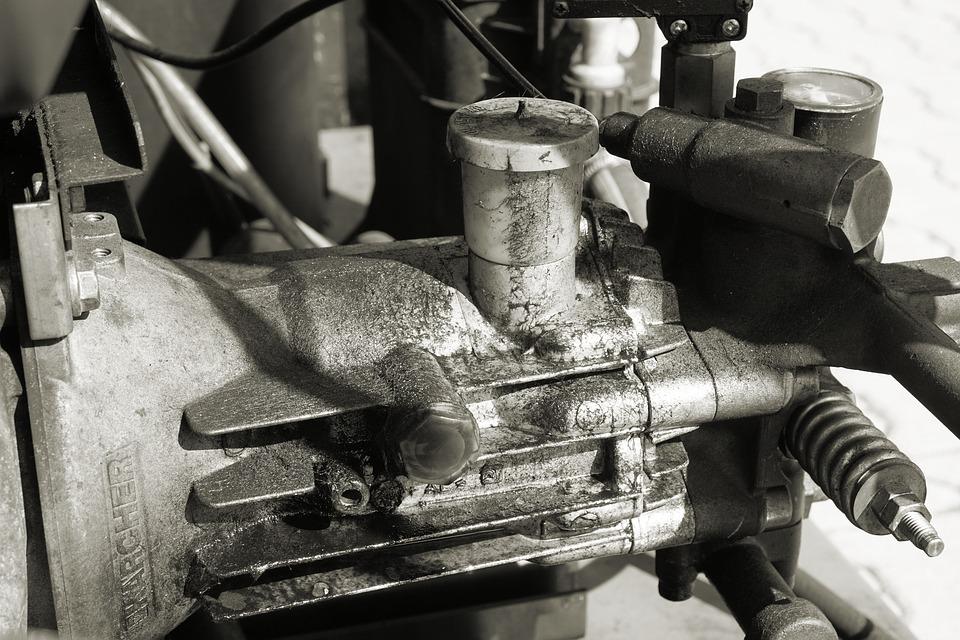 tovární kompresor